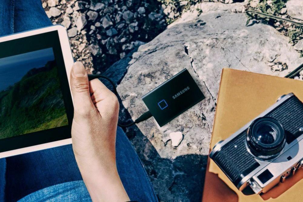 三星推出搭載指紋鎖設計的SSD,確保個人存放內容隱私安全!