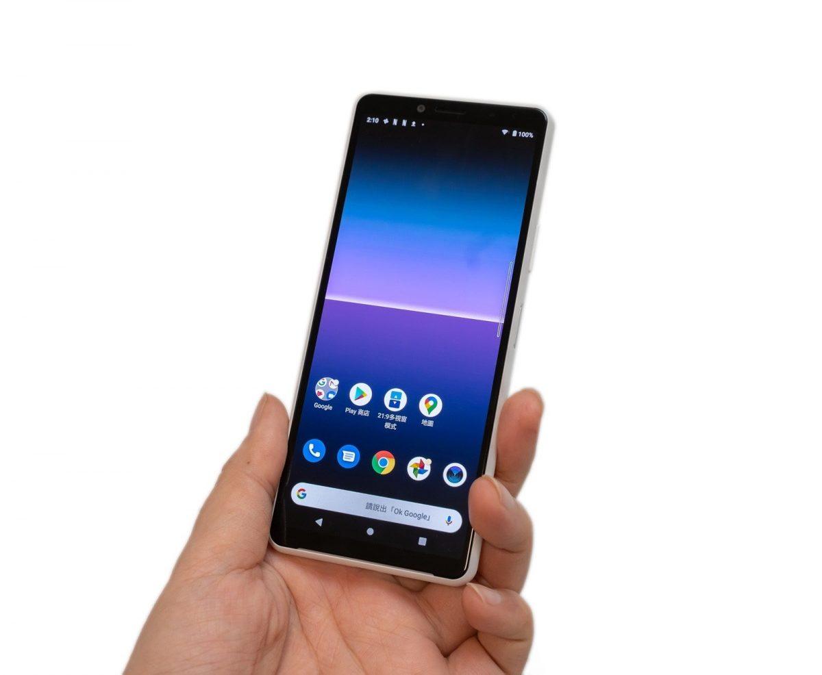 Sony Xperia 10 II 新機實測!性能電力速報 / 遊戲實測 / 充電測試!