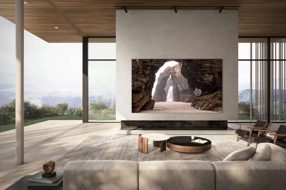 三星終於向消費市場推出第一款Micro LED電視,但是足足有110吋!