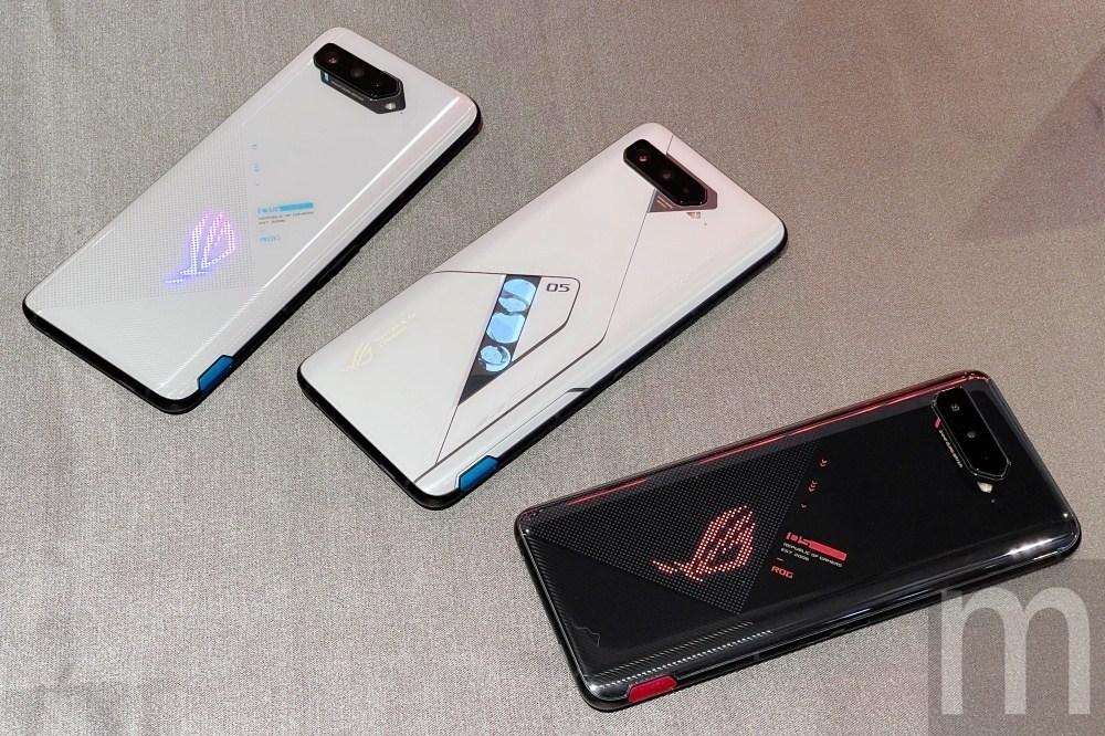 ROG Phone 5系列動手玩,首度區分「2+1」款設計、增加白色版本!